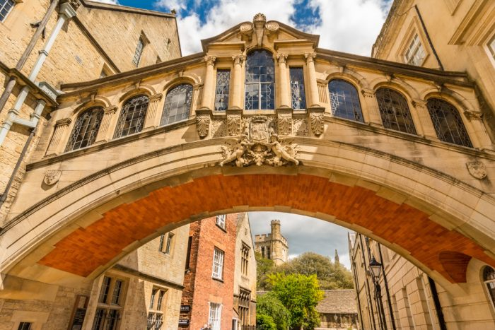 Oxbridge mentor choosing a college
