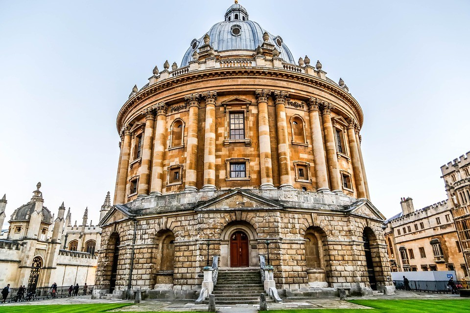 Oxbridge Oxford Cambridge application admissions apply